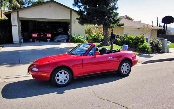1991 Mazda Miata: Cheap Reliable Fun!