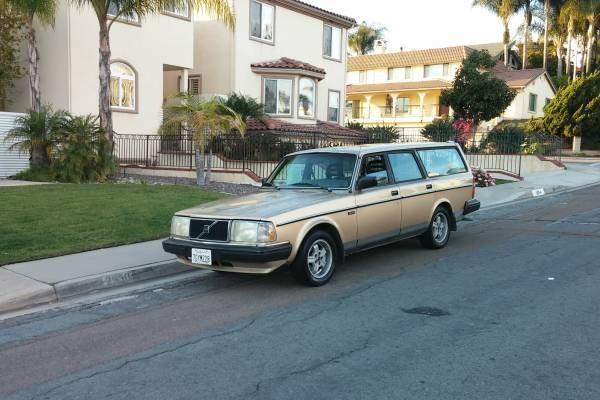 1986 Volvo 240: Hobbyist Hauler